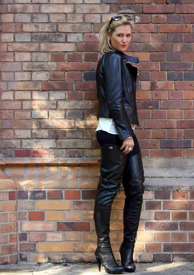 thigh high boots Archives | Fernando Berlin Boot Styles Blog