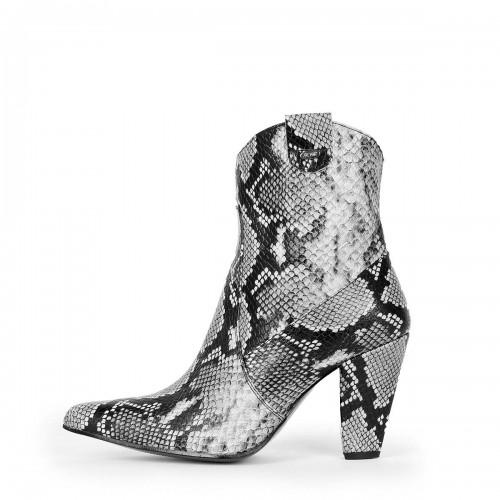 Booties block heels western style standard size (Model 812)