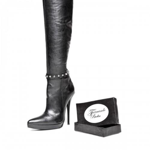 Brazelete por botas con remaches y pulsador tamaño estándar