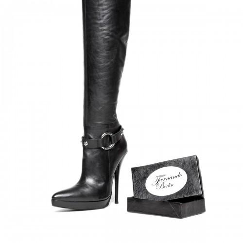 Stiefelband mit Nieten und Ring Standardgröße