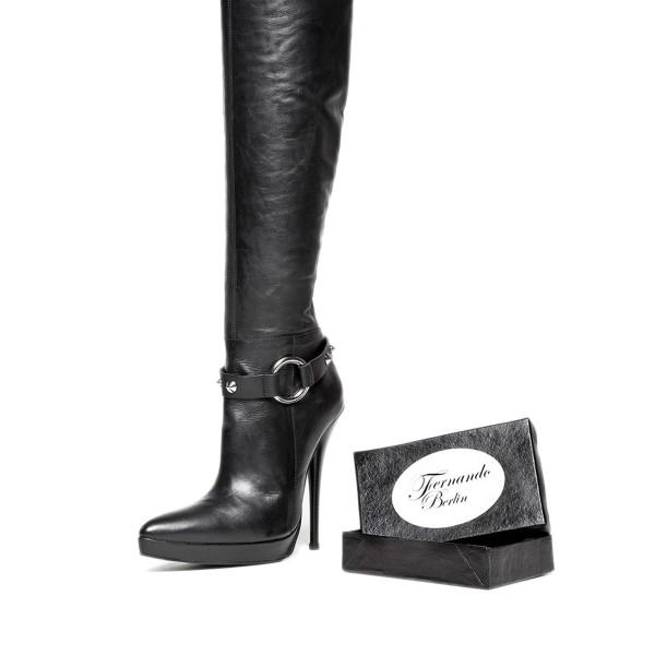 Stiefelbänder mit Nieten und Ring Standardgröße